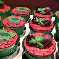 Hulk baby shower cupcakes by Skmaestas