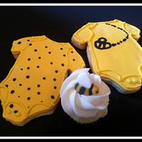 Bumblebee Hive by Jest Desserts