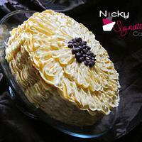 Sunflower Cake by NickySignatureCakes