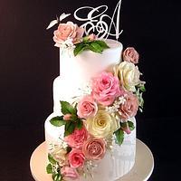 Weddingcake with gumpaste roses