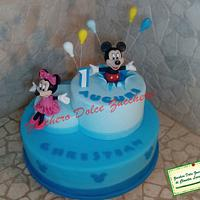 mickey mouse and minnie cakes and cookie