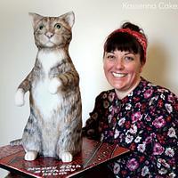 Minou the cat by Kasserina Cakes