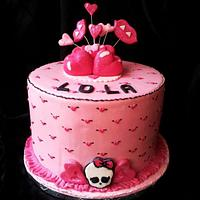 Monster high cake by Angelica
