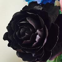 Black Wired Freeform Peony