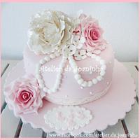 Vintage pink wedding cake