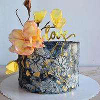 Cake with fantasy flowers.