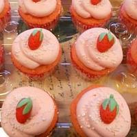 Strawberry Cupcakes by paula