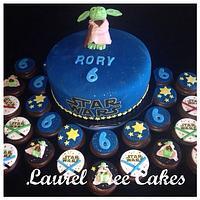 Yoda Cake with Cupcakes