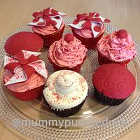Comic relief cupcakes  by Mummypuddleduck