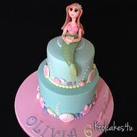 Pretty mermaid cake