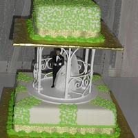 Lemon green and gold wedding cake
