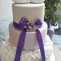 Swans Ruffle Wedding Cake