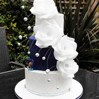 Batman and Trekkie Wedding cake