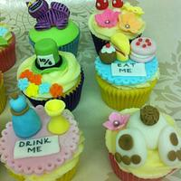 Alice In Wonderland Cupcakes by CakeyBakey Boutique