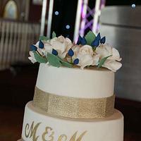 Gold & Ivory wedding cake