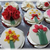 Floral Cupcake Toppers by Geelicious Confections