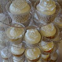 Wedding Cupcakes by CakeyBake (Kirsty Low)