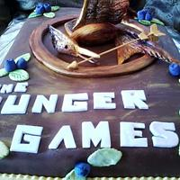 THE HUNGER GAMES CAKE by Maythé Del Angel