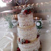 Wedding cake with strawbery