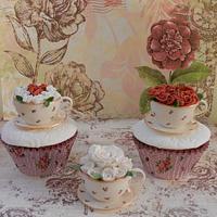 Mini Edible sugar paste teacups by Dolce Sorpresa