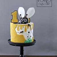 Hap-bee birthday cake