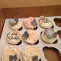 Elegant bridal shower cupcakes