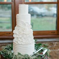Open Rose Buttercream Wedding