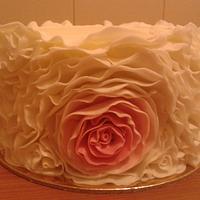 Ruffled Rose cake by Vera Santos