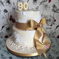 Gold and Lace Pearl cake
