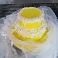 Yellow daisies cake