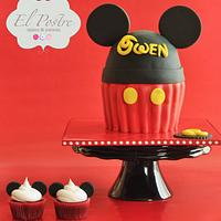 Mickey Mouse theme cake