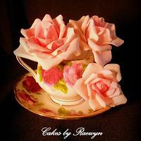 Nana's China dressed up in Gumpaste roses