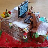 Reindeer Geek Christmas Cake & Mini Cake Toy Box