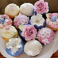 Romantic Floral Cupcakes