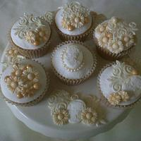 Ivory Vintage Wedding Cupcakes