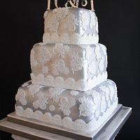 Modern Vintage lace cake