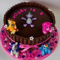 My Little Pony Kit Kat Cake