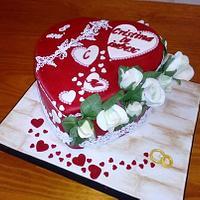 HEART OF WHITE ROSES CAKE