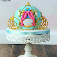 Cinderella cake and carriage