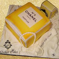 Chanel no.5 Bottle Cake!