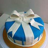 Gift box cake! by sadiawasim