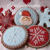 Icing cookies: Santa and snowflakes ❄️