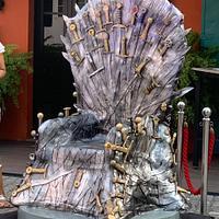 Cake throne!