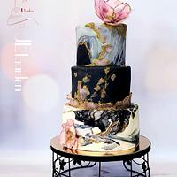 Weddingcake in black and white marble-granito