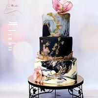 Weddingcake in black and white marble-granito