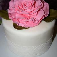 Small rose & lace cake.