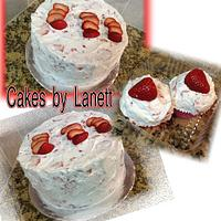 Whipped Strawberry Cake/Cupcakes