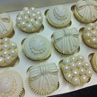 Pearls, Bows & Cameos