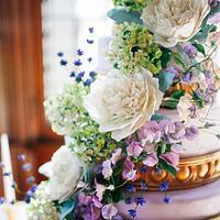 Purple Sugar Flower Wedding Cake I Spring Wedding Cake