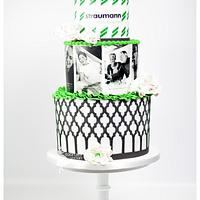 Companycake with graphic lines